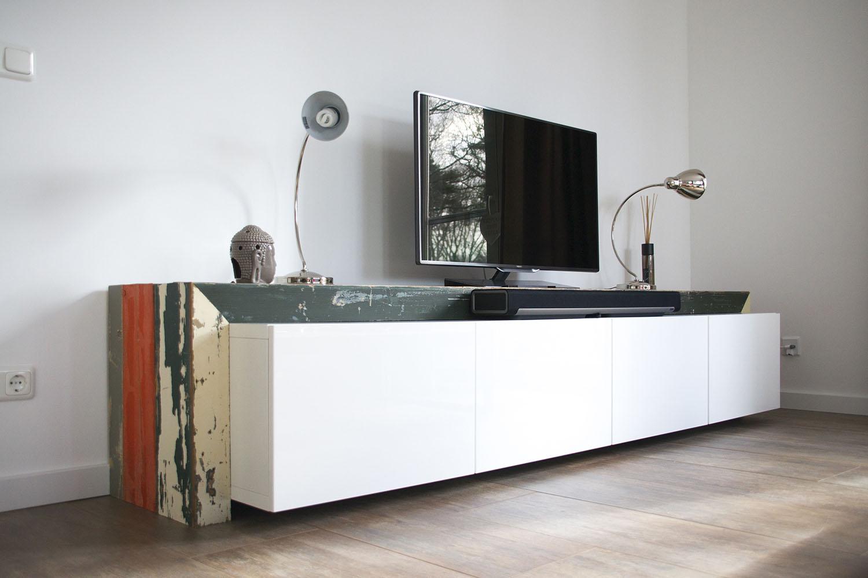 een tv meubel op basis van ikea elementen met scrap wood. Black Bedroom Furniture Sets. Home Design Ideas