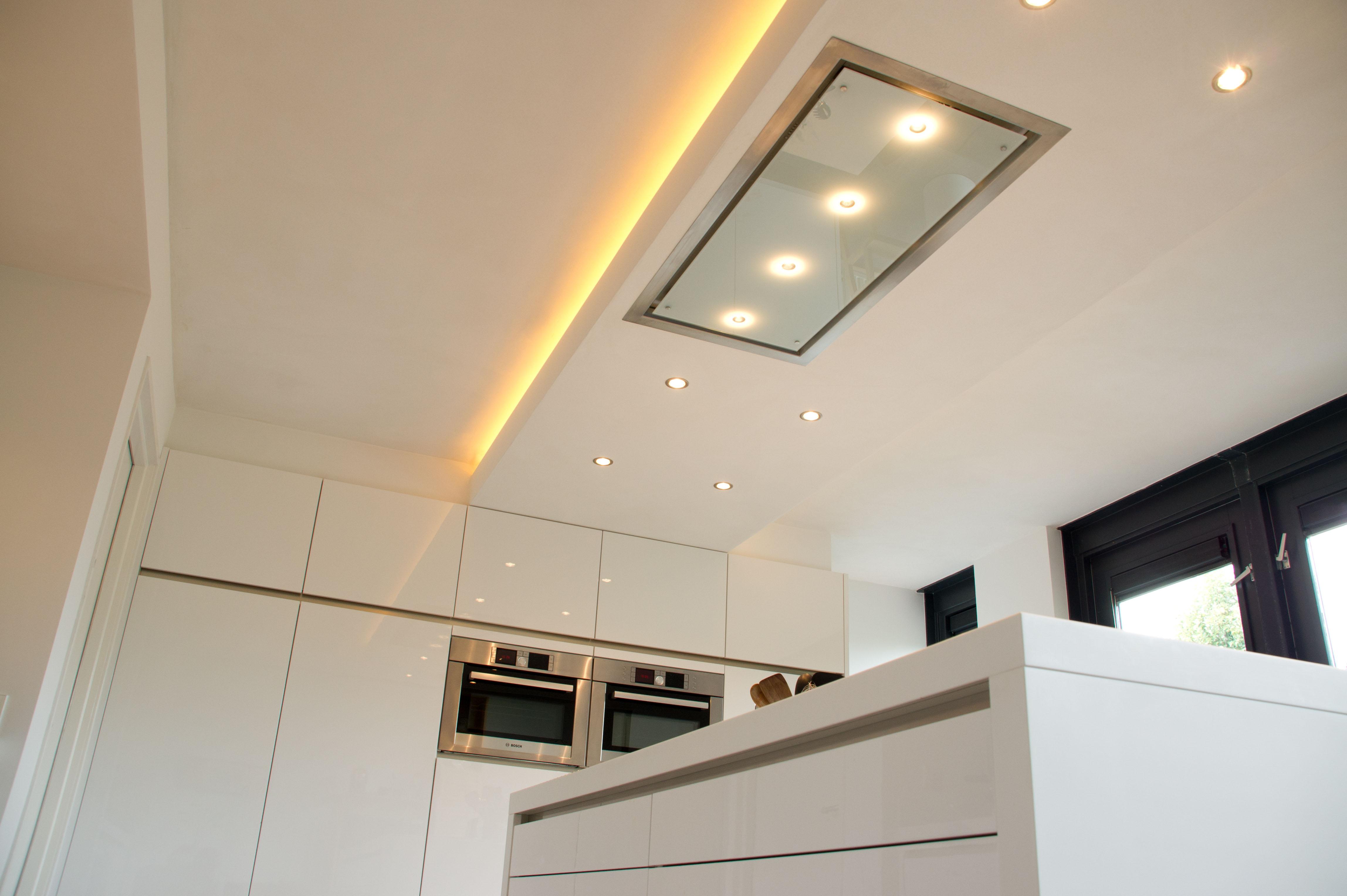 Openslaande deuren keuken: glazen achterpui met openslaande deuren ...